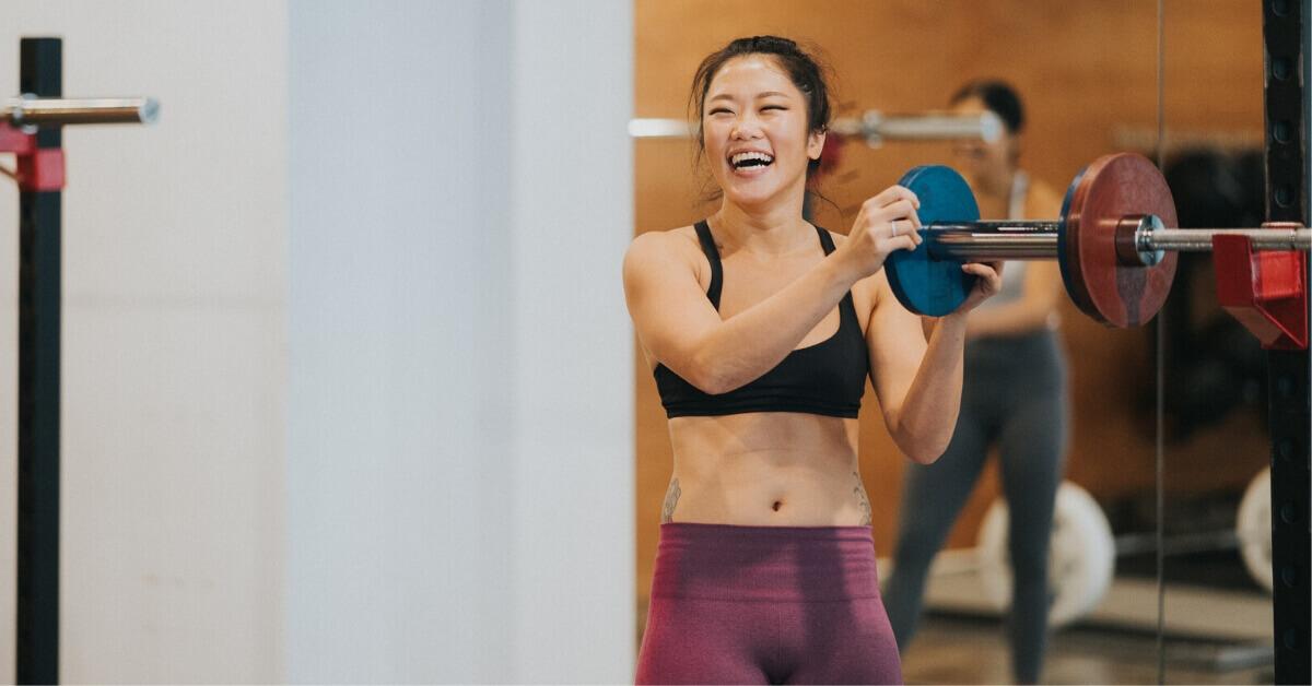 Erica Tenggara - I train to lift heavy