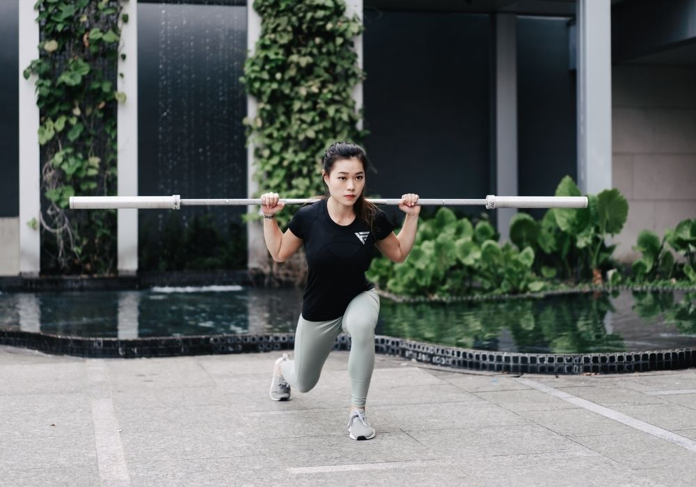 Are light weights better than heavy weights for women - Sharlynn