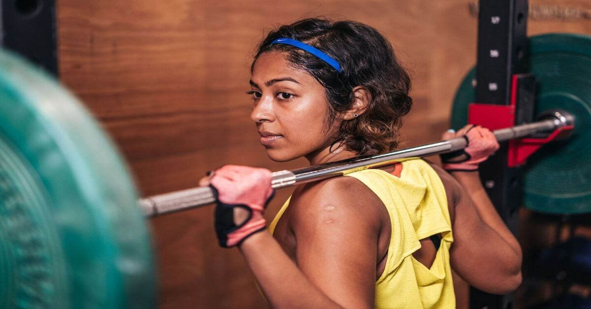 Is training with light weights better than heavy weights for women?- Premi Streram